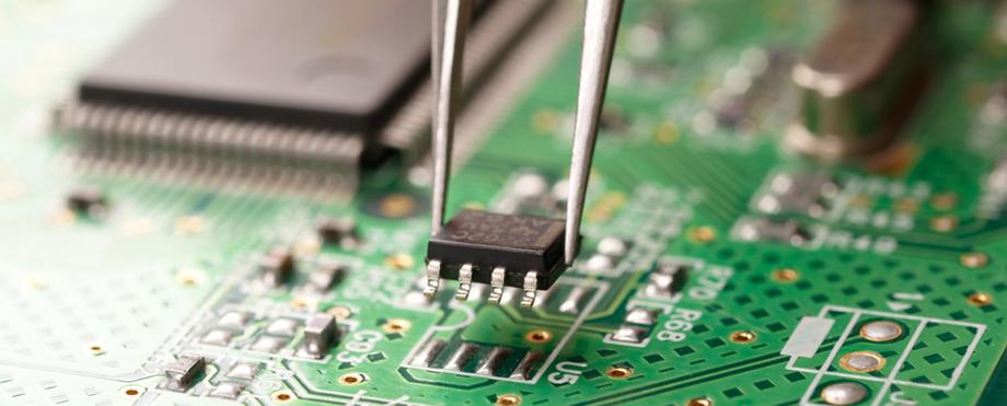 Reparaţie placă de bază de laptop – Pc