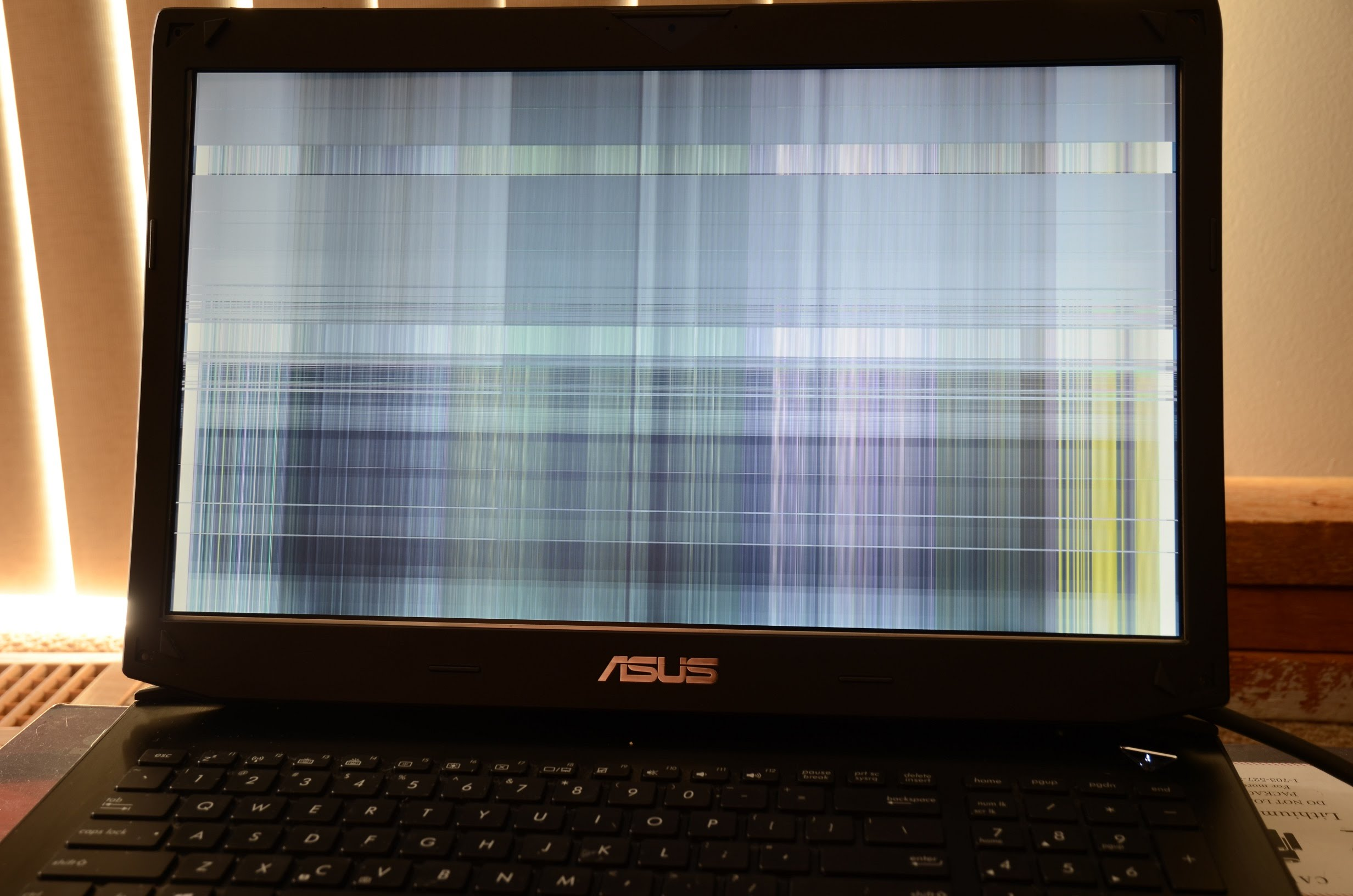 Service placă video laptop   Reparatii placă video laptop